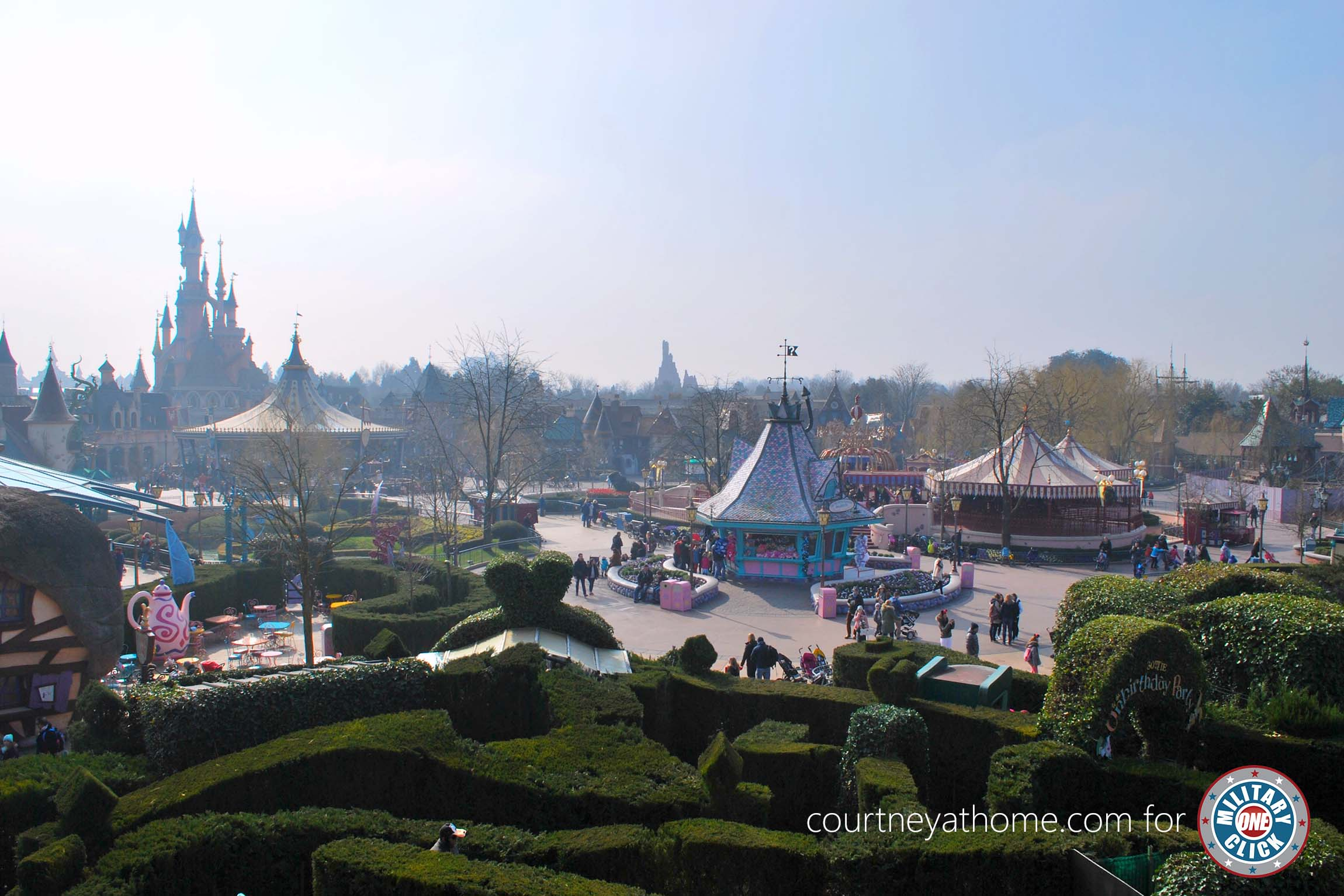 Travel tips for military families heading to Disneyland Paris! Saving this for the future!