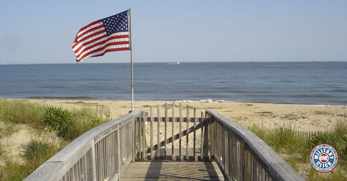 The best ways to spend the summer in the Hampton Roads (Virginia Beach, Norfolk, HR) area! Love this!