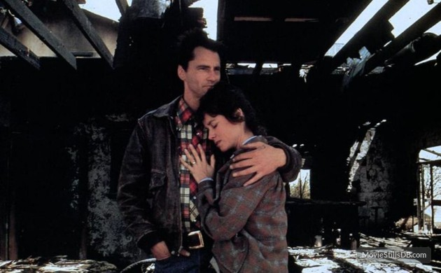 Chuck (Sam Shepard) and Glennis (Barbara Hershey) enjoy a quiet moment before he risks life and limb attempting to break the speed of sound. (Photo: Warner Bros.)