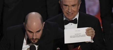 10 times we wished the Oscars mix-up happened to milspouses