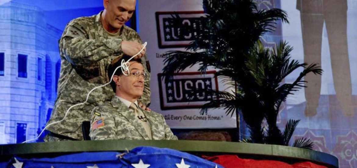 17 fabulous photos of USO shows through the ages