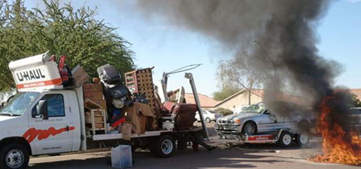 These 7 pictures sum up the moving truck disasters you don't want to have